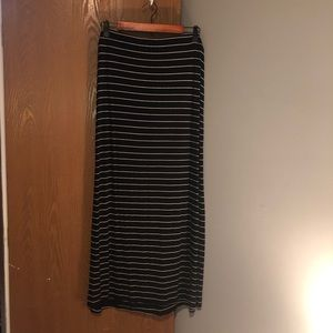 Stretchy and comfortable maxi skirt